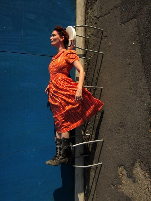 Urban Bluescreen: Levitation #1. CiCi Blumstein 2010. Photo: Sara Popowa